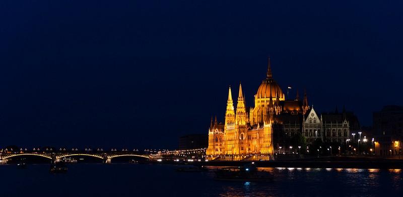Budapeszt. Piękne miasto i stosunkowo nie tak daleko.