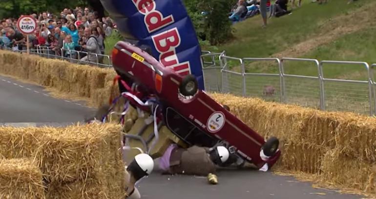 Wypadki podczas Red Bull Soapbox Race w Londynie 2015