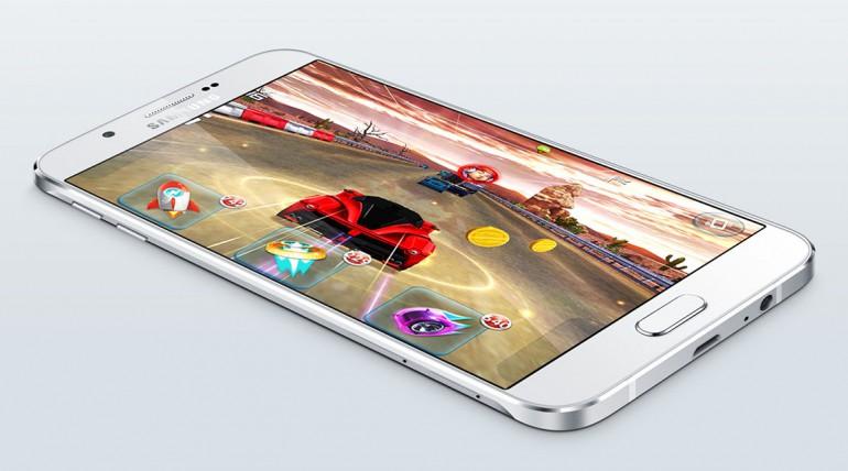 Samsung Galaxy A8. Najcieńszy telefon.