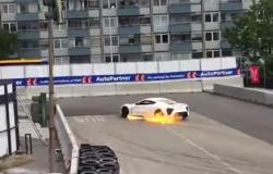 Superauto Zenvo ST1 w ogniu w Danii