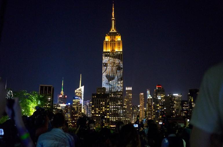 Empire State Building z  iluminacją zagrożonych gatunków zwierząt