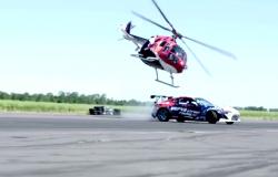 Toyoty GT86 kontra helikopter. Drift autem i helikopterem
