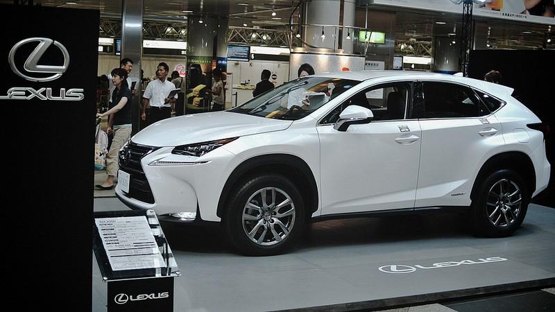 Lexus NX – futurystyczne auto – nowe trendy