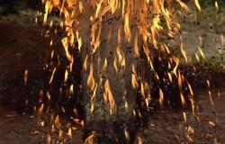 Deszcz ognia, bomba zrobiona z zapałek – slow motion