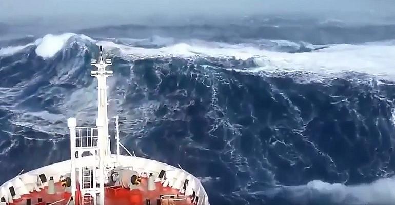 Coś dla wilków morskich, sztormy i olbrzymie fale.