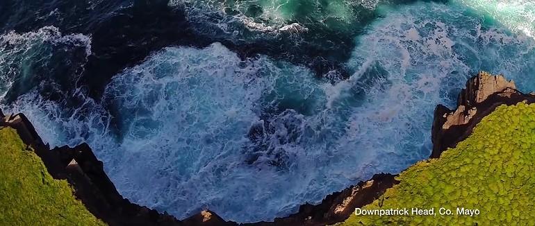 Wild Atlantic Way wybrzeże Irlandi z powietrza