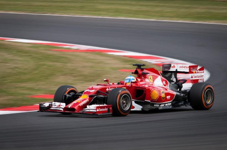 F1 2015 rozpoczęte. GP Australii dla zespołu Mercedesa.