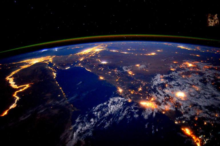 Świecąca rzeka Nil. Zdjęcie wykonane z orbity okołoziemskiej.