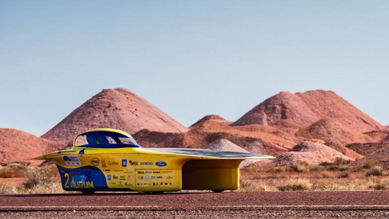 Australijski wyścig World Solar Challenge wygrywa holenderski zespół