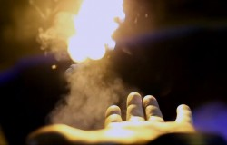 Miotacz ognia dla iluzjonistów ale także niezły gadżet