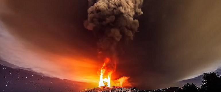 Etna znów wykazuje większą aktywność