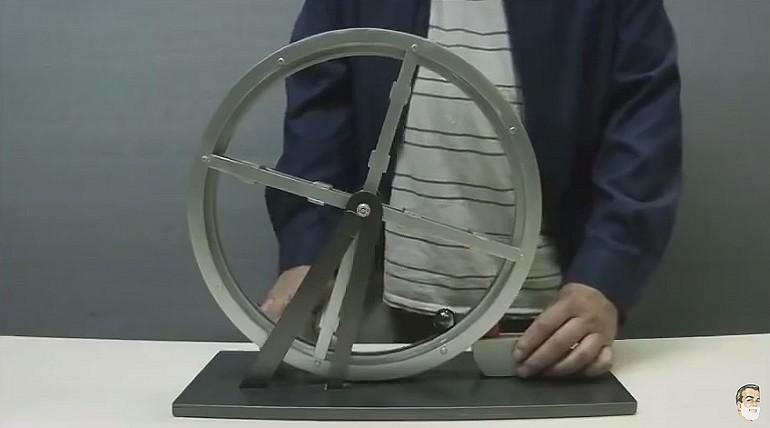 Ciekawy banalnie prosty eksperyment z kulką i magnesem