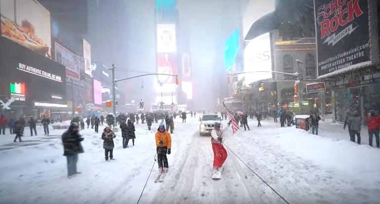 Na snowboardie przez Nowy Jork