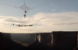 BASE jumping ekstremalna przygoda na Moab