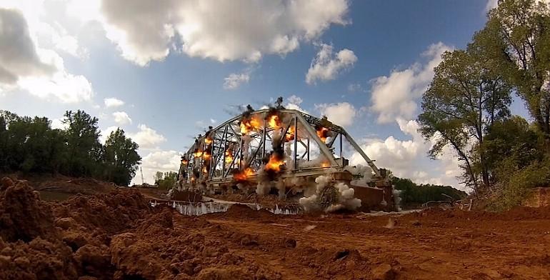 600 funtów materiałów wybuchowych