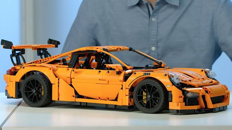 Porsche 911 GT3 RS z klocków Lego