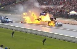 Eksplozja samochodu podczas kwalifikacji NHRA