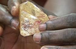 Pastor znalazł diament o wadze ponad 700 karatów