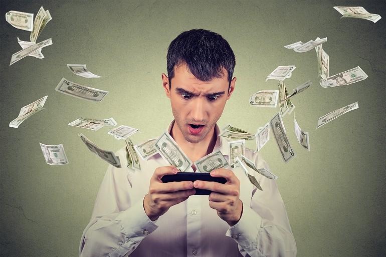 Granie w gry na telefonie może Cię słono kosztować