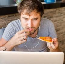 Nie jedz przy komputerze to może Cię zabić.